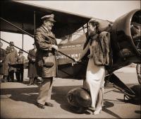 Авиация - Гильда Йен у самолета