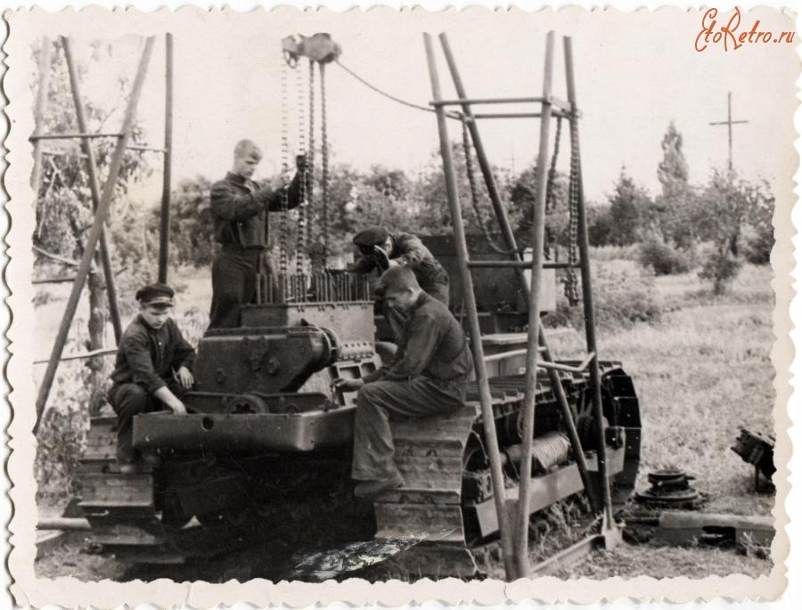 Текущий ремонт - трактор - Большая Энциклопедия Нефти и.