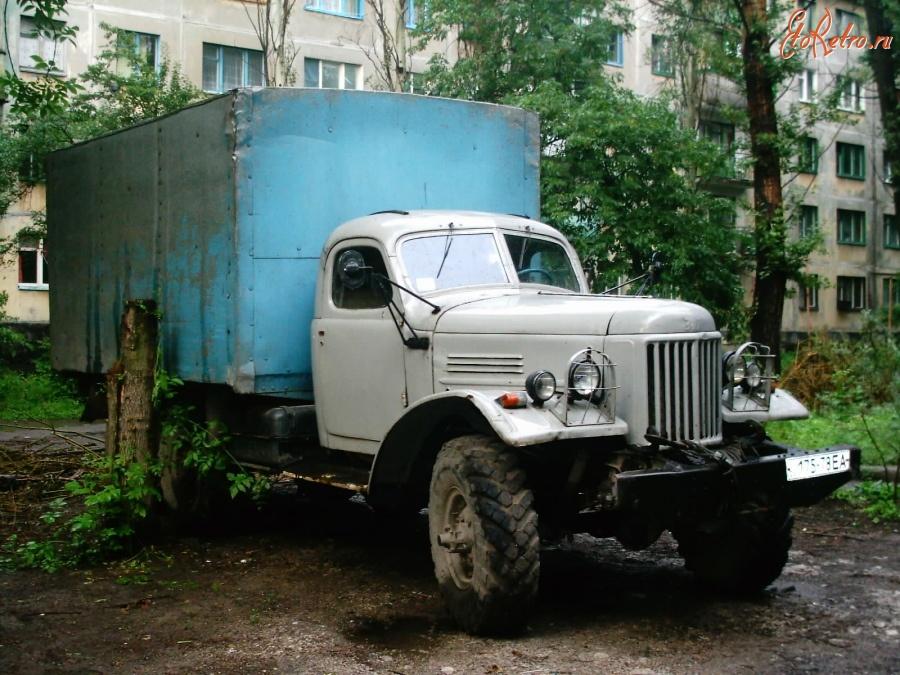Ретрорепортаж: на чем ездили члены КПСС | 675x900