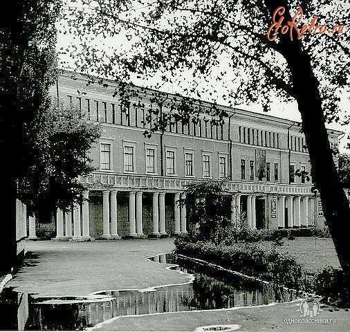 Картинки старого дома офицеров