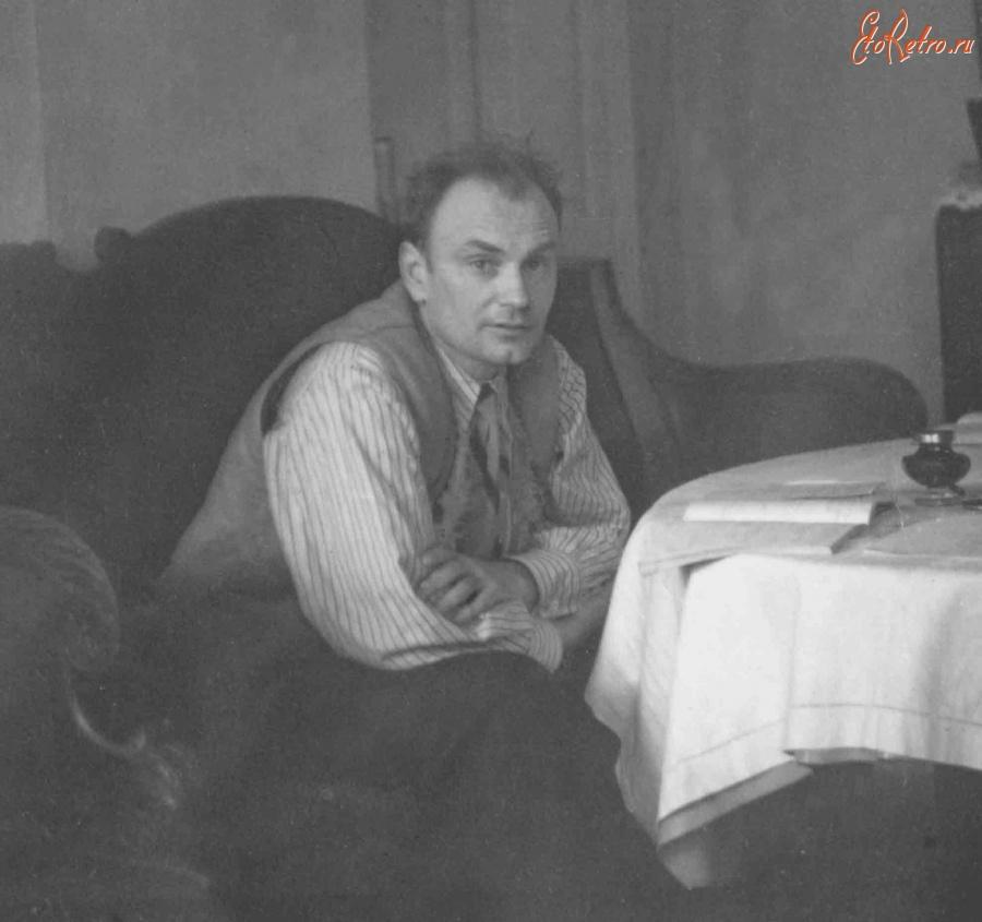 Работа над диссертацией дома Россия ЭтоРетро ru старые фото  Россия Работа над диссертацией дома