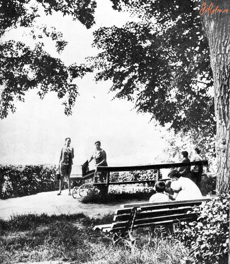 Парк им.Ю.Гагарина. - Украина > Житомирская область ...: http://www.etoretro.ru/pic39863.htm