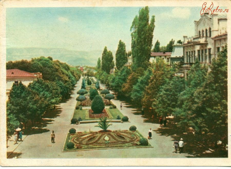 Про старушек, открытки старого кисловодска