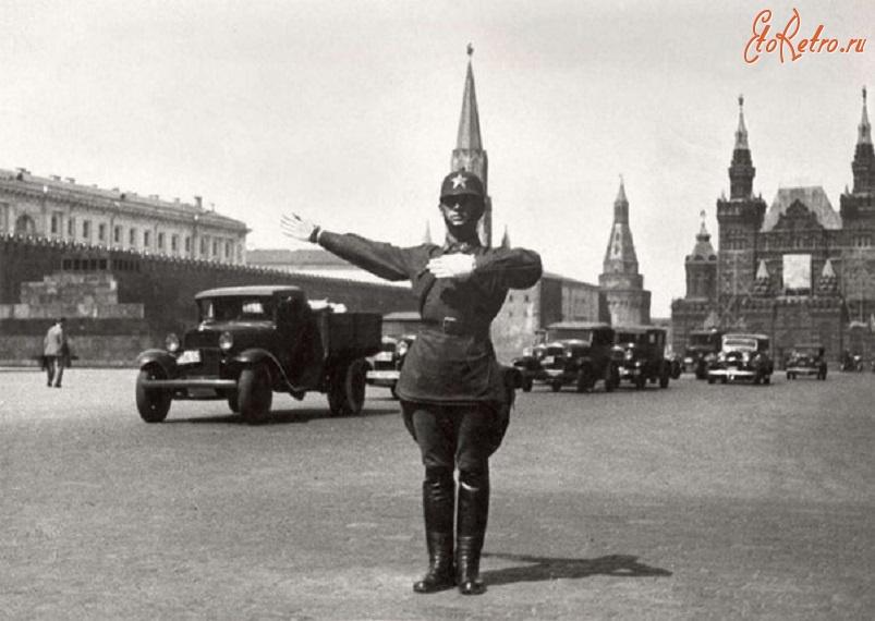 Первые советские права и правила дорожного движения