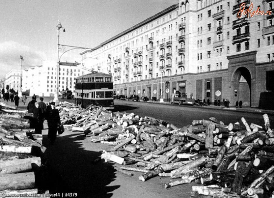 Очень показательные воспоминания москвичей об осени 1941 года