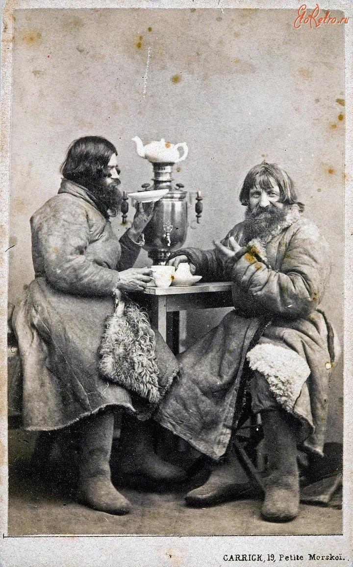 Петербургские извозчики в чайной.