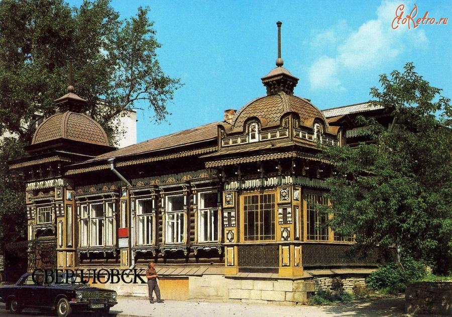 Памятники древнего зодчества в калининграде заказать памятник в омске швейку