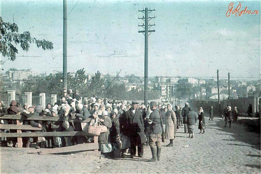 Оккупированный Киев в 1941 году (10 фото+текст) .