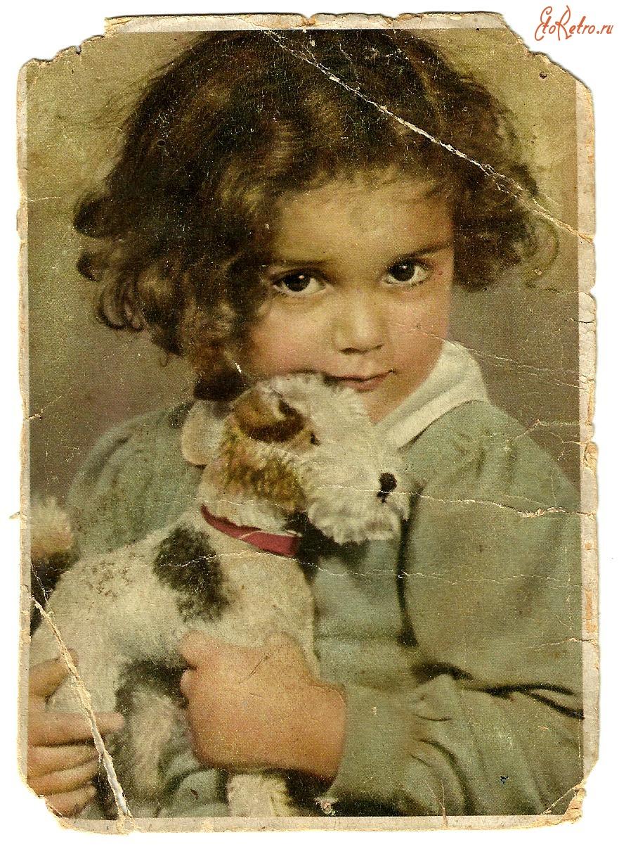 Девочка на старинных открытках 577