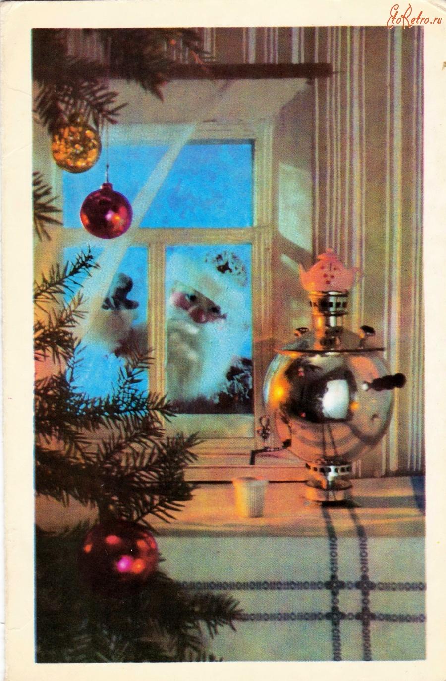 Окна на советских открытках