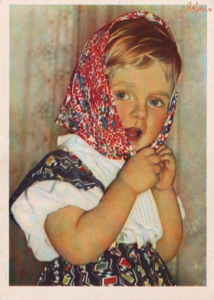 Оригинальная открытка из бумаги к 9 5