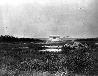 Вашингтон - Lincoln Memorial Surrounded by Swamp США , Вашингтон (округ Колумбия)