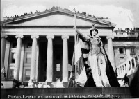 Вашингтон - Hedwig Reicher as Columbia in Suffrage Parade США , Вашингтон (округ Колумбия)