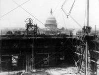Вашингтон - Library of Congress construction, with U.S. Capitol Dome in background (official construction photo). США , Вашингтон (округ Колумбия)